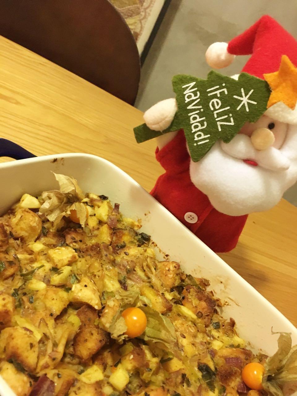 Stuffing de maçã com alho-poró e sálvia