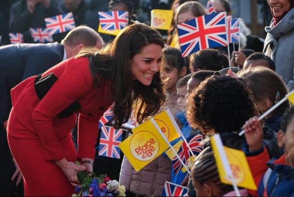 Kate Middleton visita escola