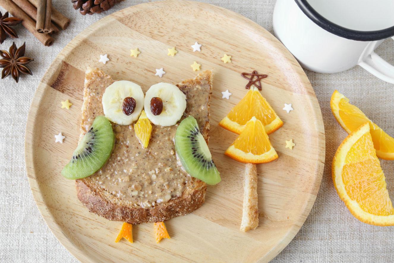 maes que compartilham a rotina alimentar dos filhos