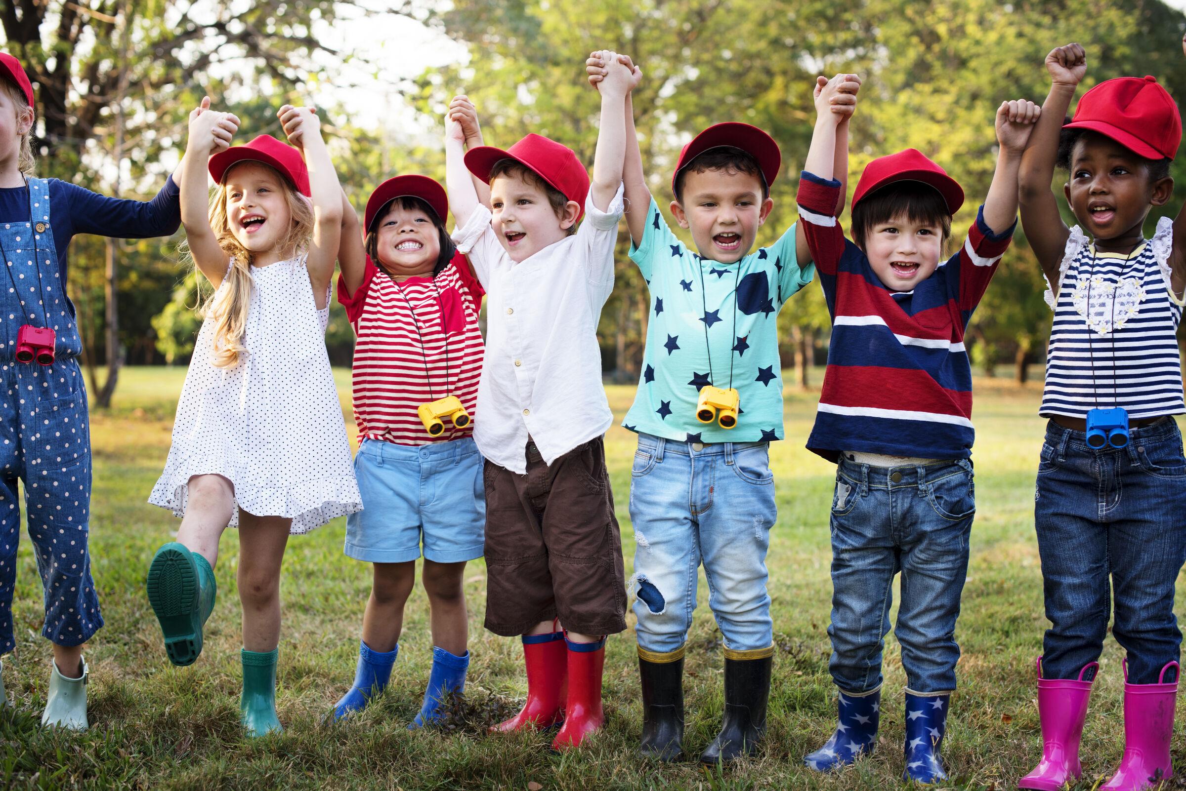 Grupo de crianças brincando