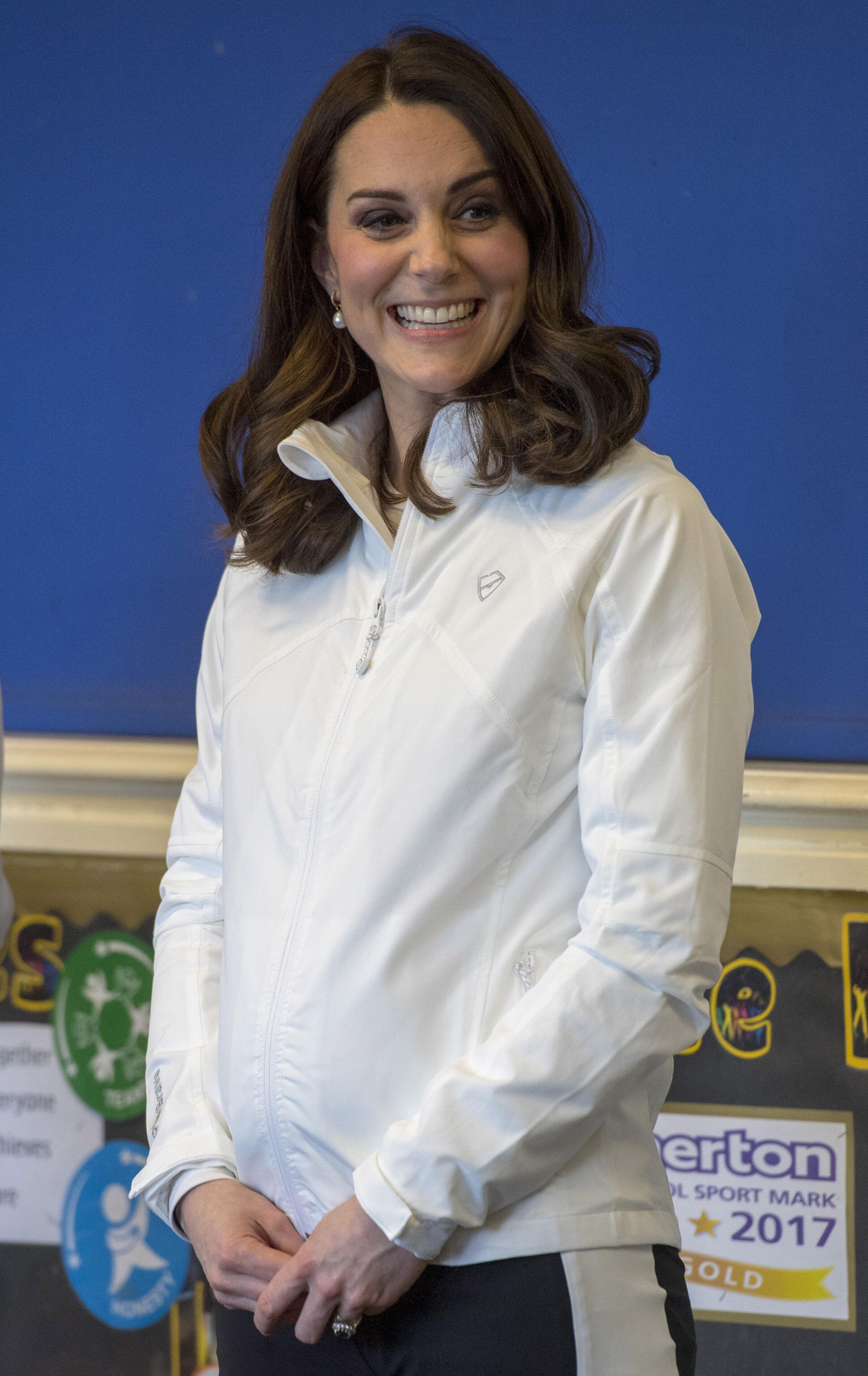 Kate Middleton exibe barriga da terceira gravidez