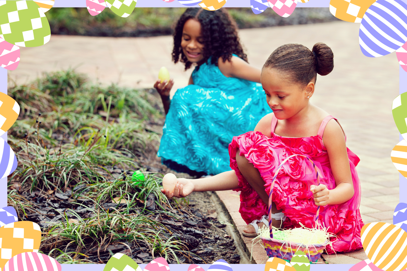 Meninas caçando ovos de Páscoa
