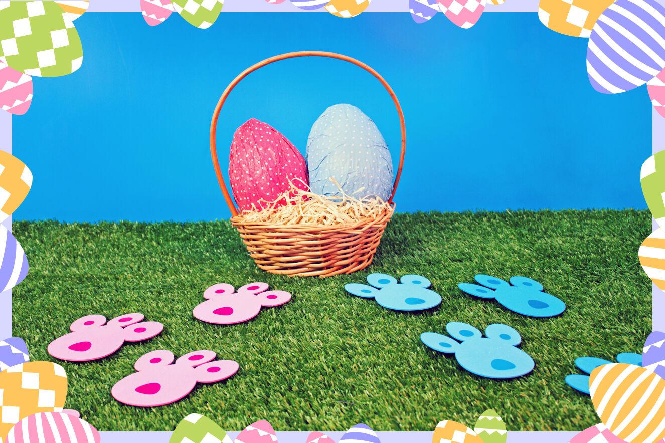 Pegada de coelhos e ovos de Páscoa