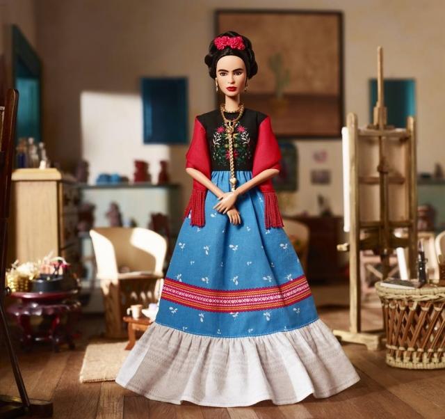 Boneca Barbie da pintora mexicana Frida Kahlo