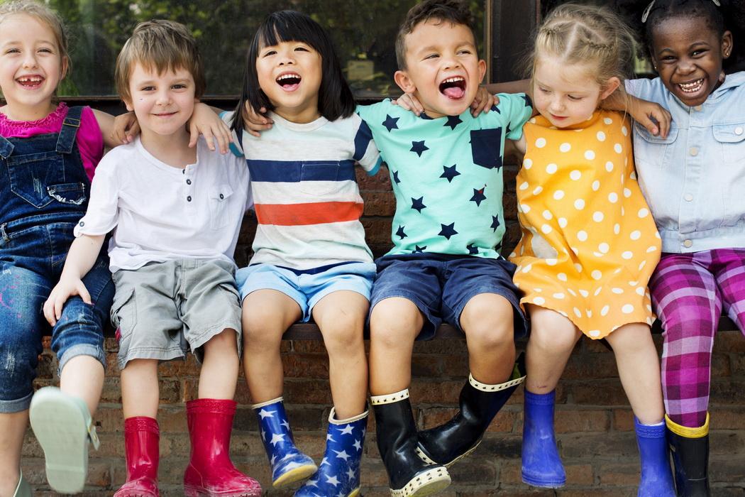 A importância e os benefícios da amizade na infância