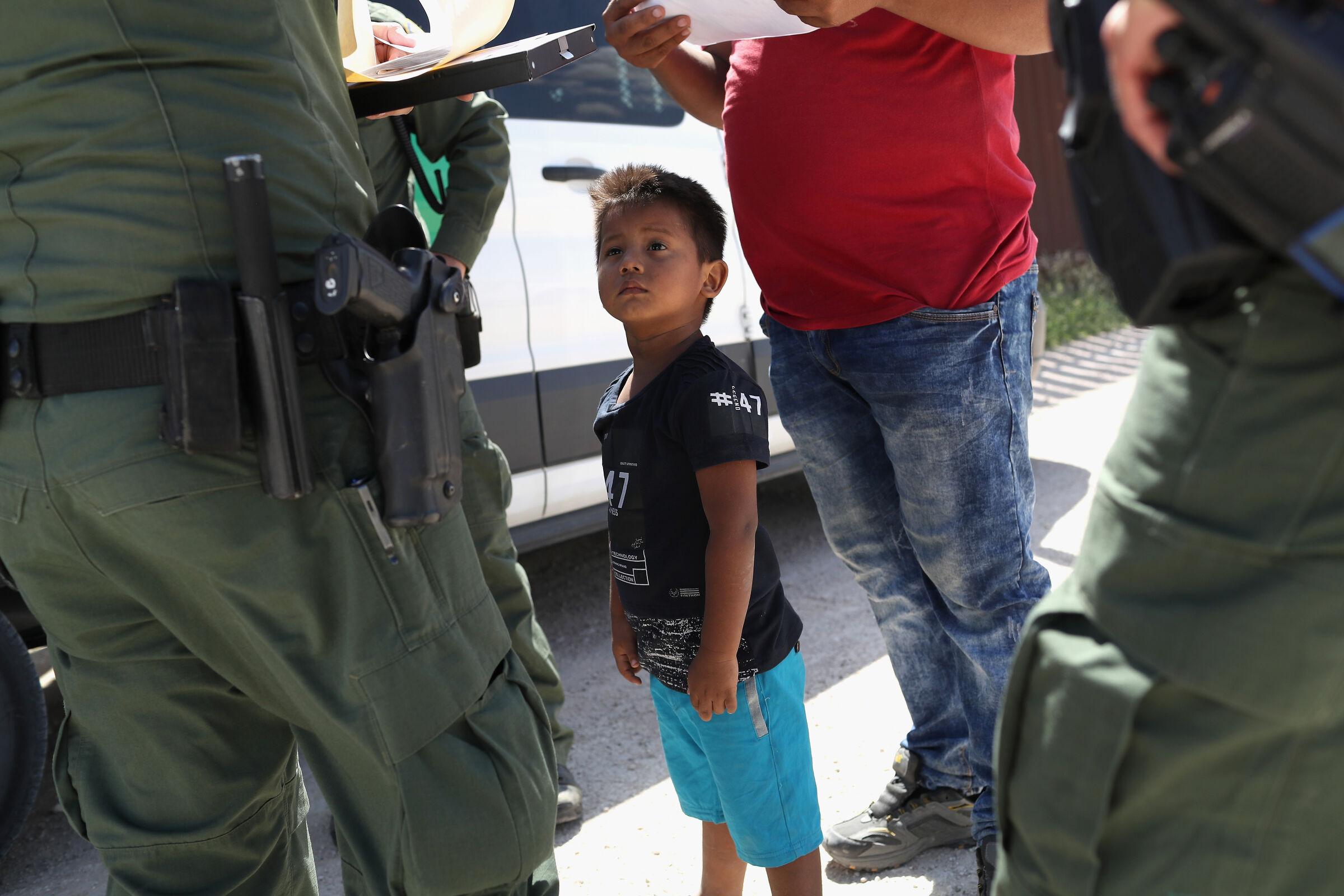 Crianças separadas dos pais nos EUA - imigração ilegal