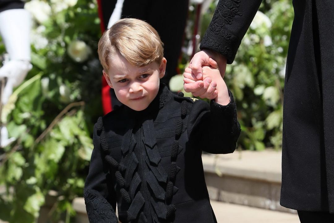 Príncipe George completa 5 anos e Família Real divulga foto inédita
