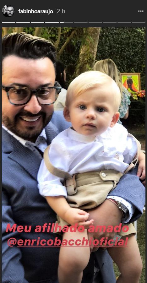 Enrico, filho de Karina Bacchi, completa 11 meses e é batizado