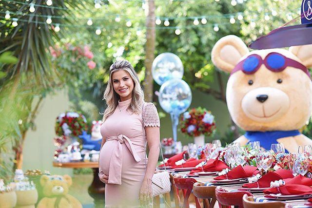 Andressa Suita faz chá de bebê decorado com ursinhos para o filho Samuel