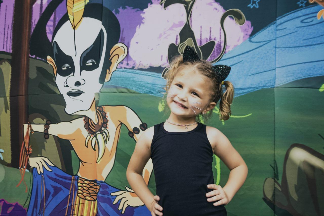 Menina pede festa com tema inspirado em música de Ney Matrogrosso