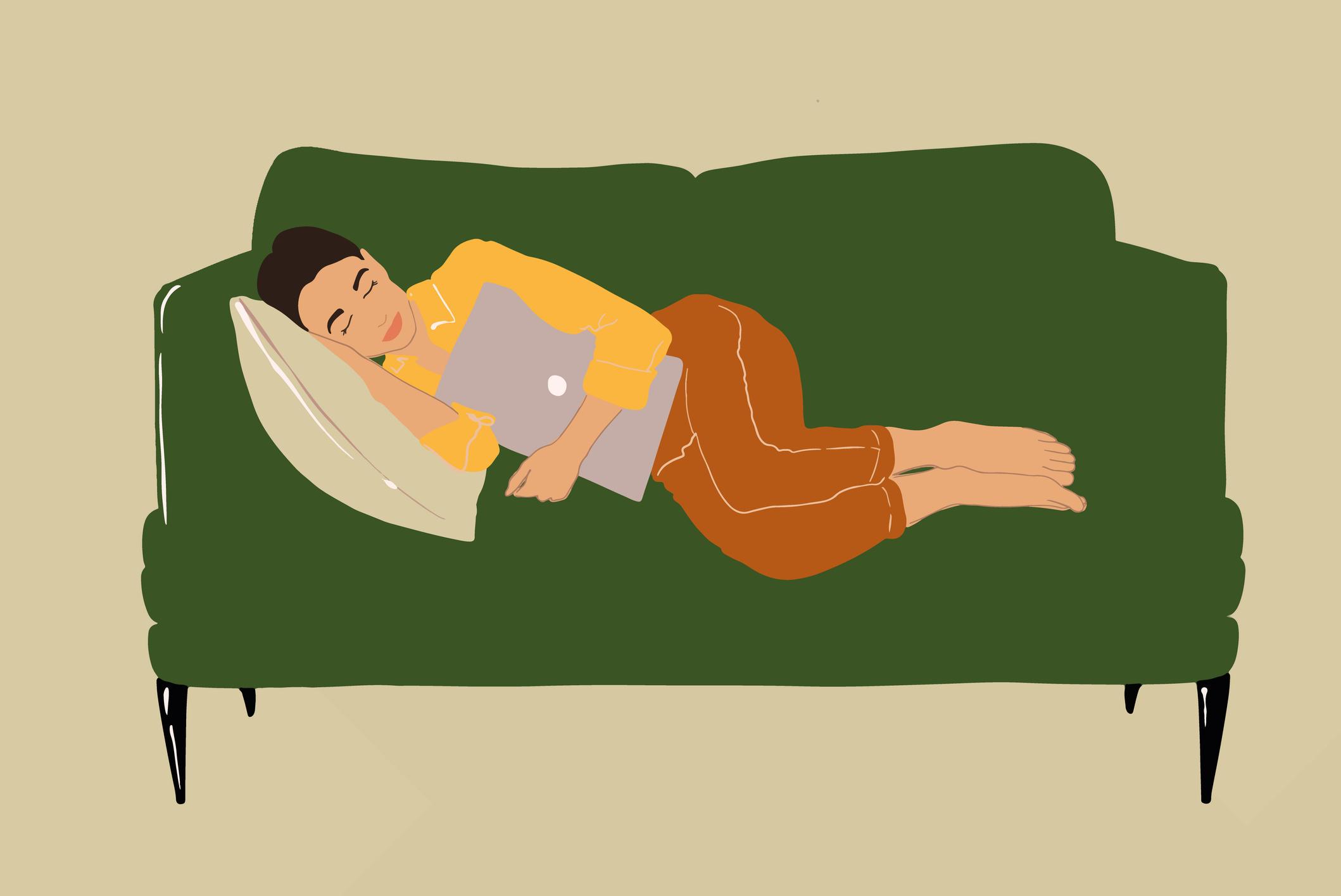 mulher-deitada-sofa-cansada