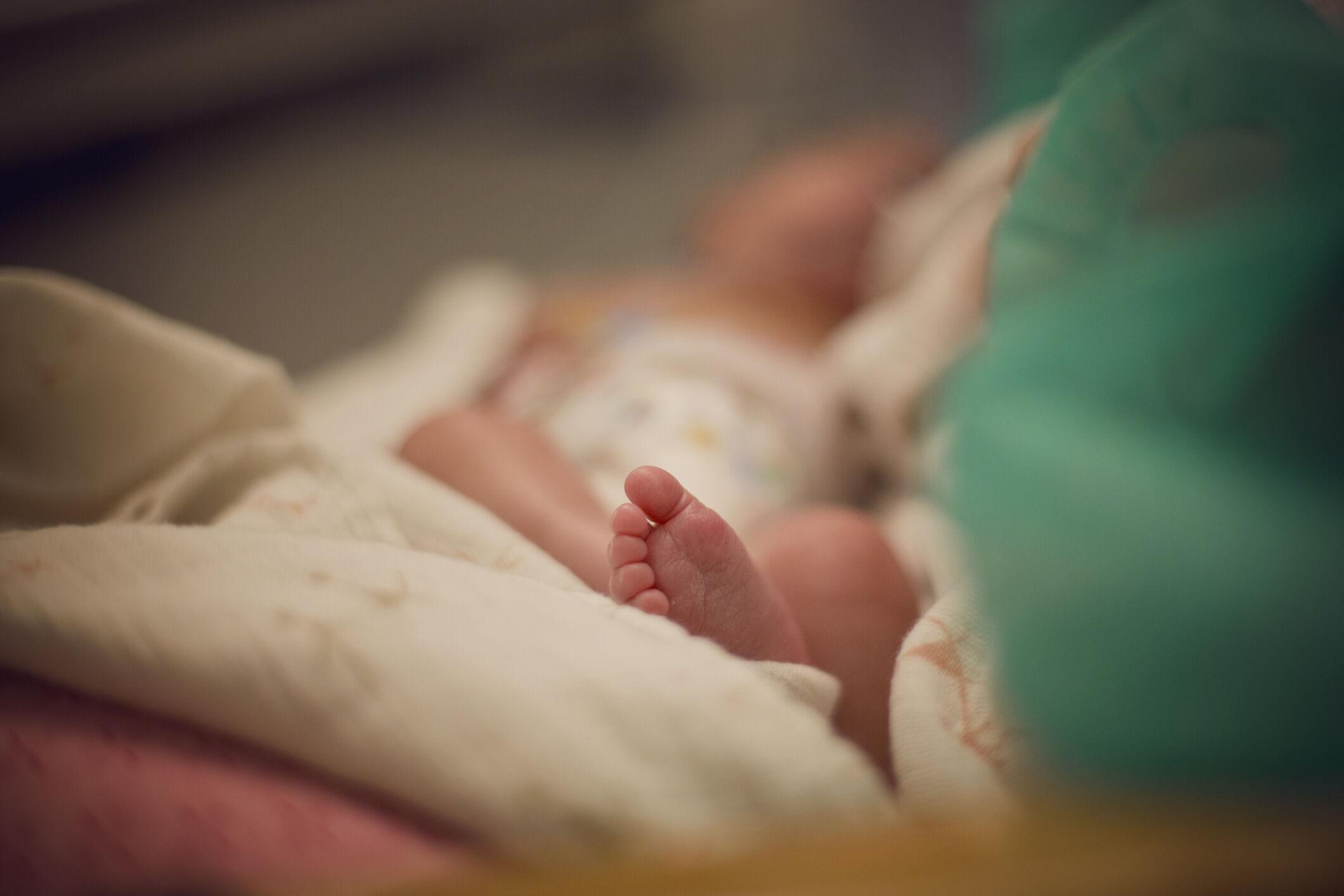 pe-bebe-recem-nascido-hospital