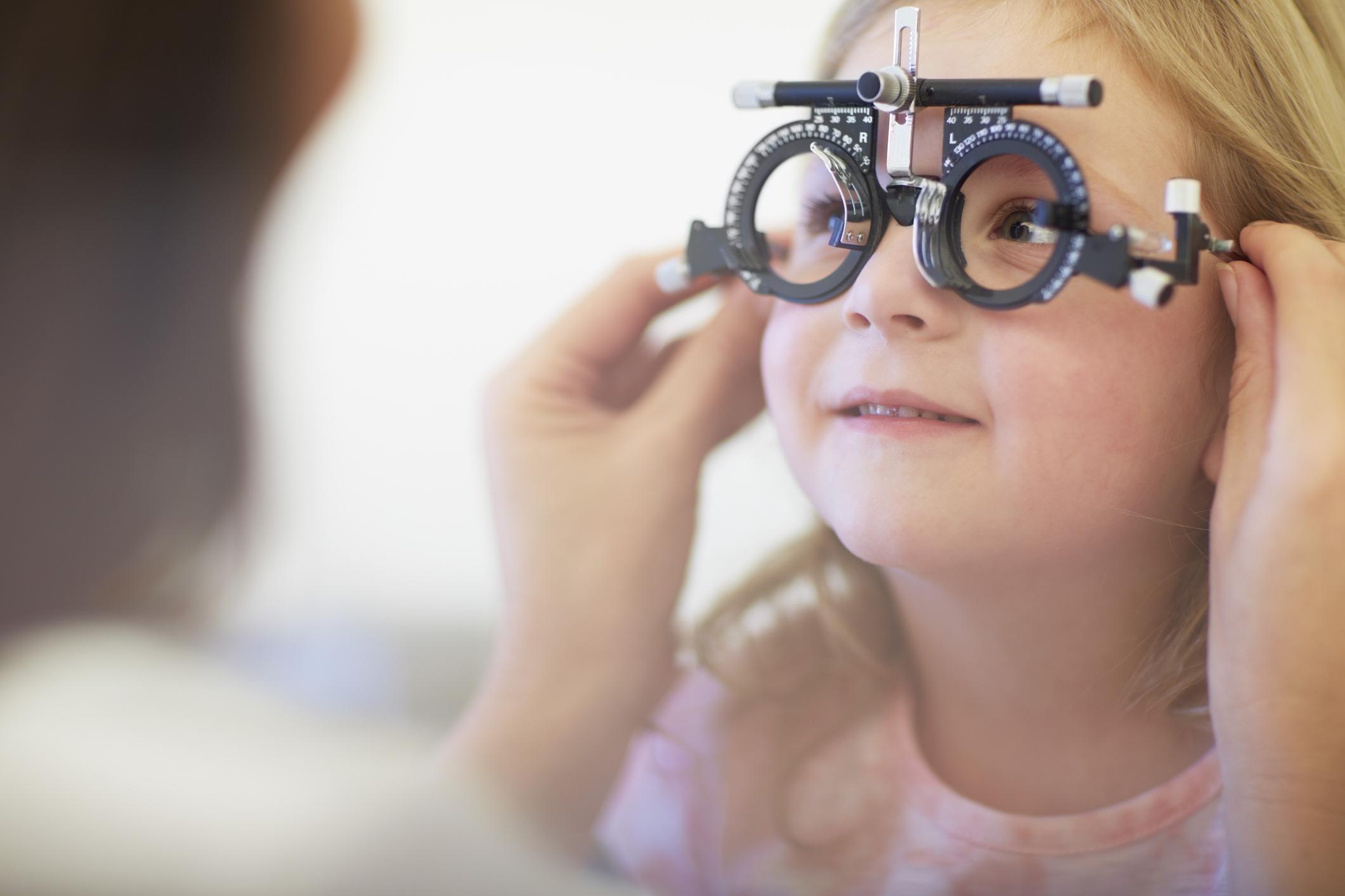 crianca-exame-oftalmologico