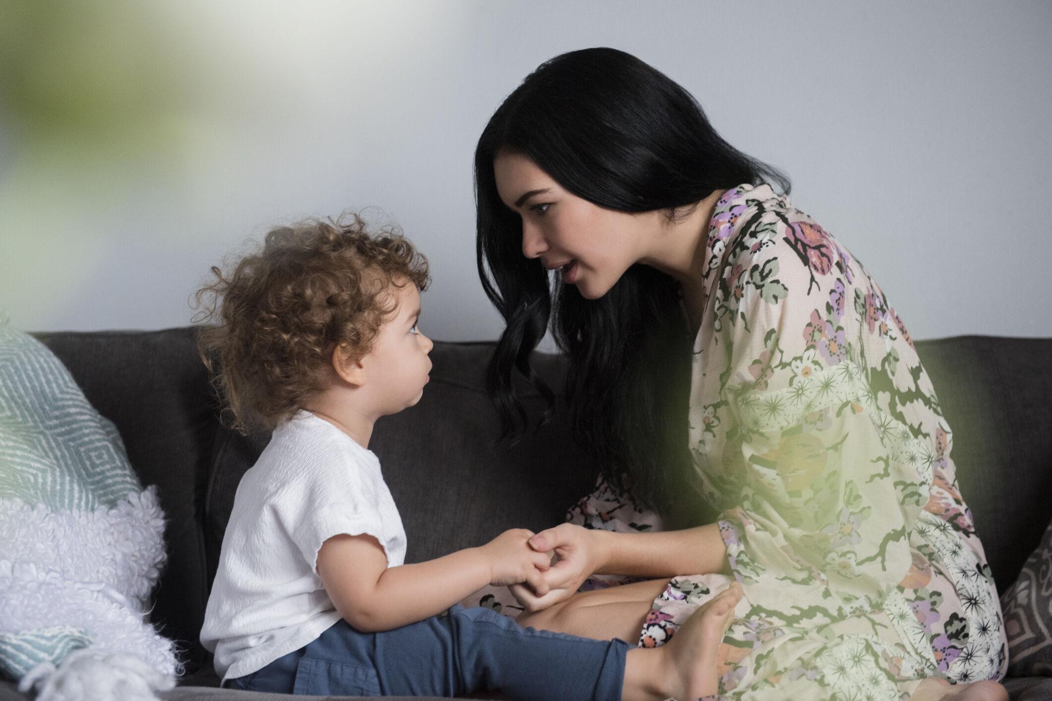 mae-orientando-filho-pequeno