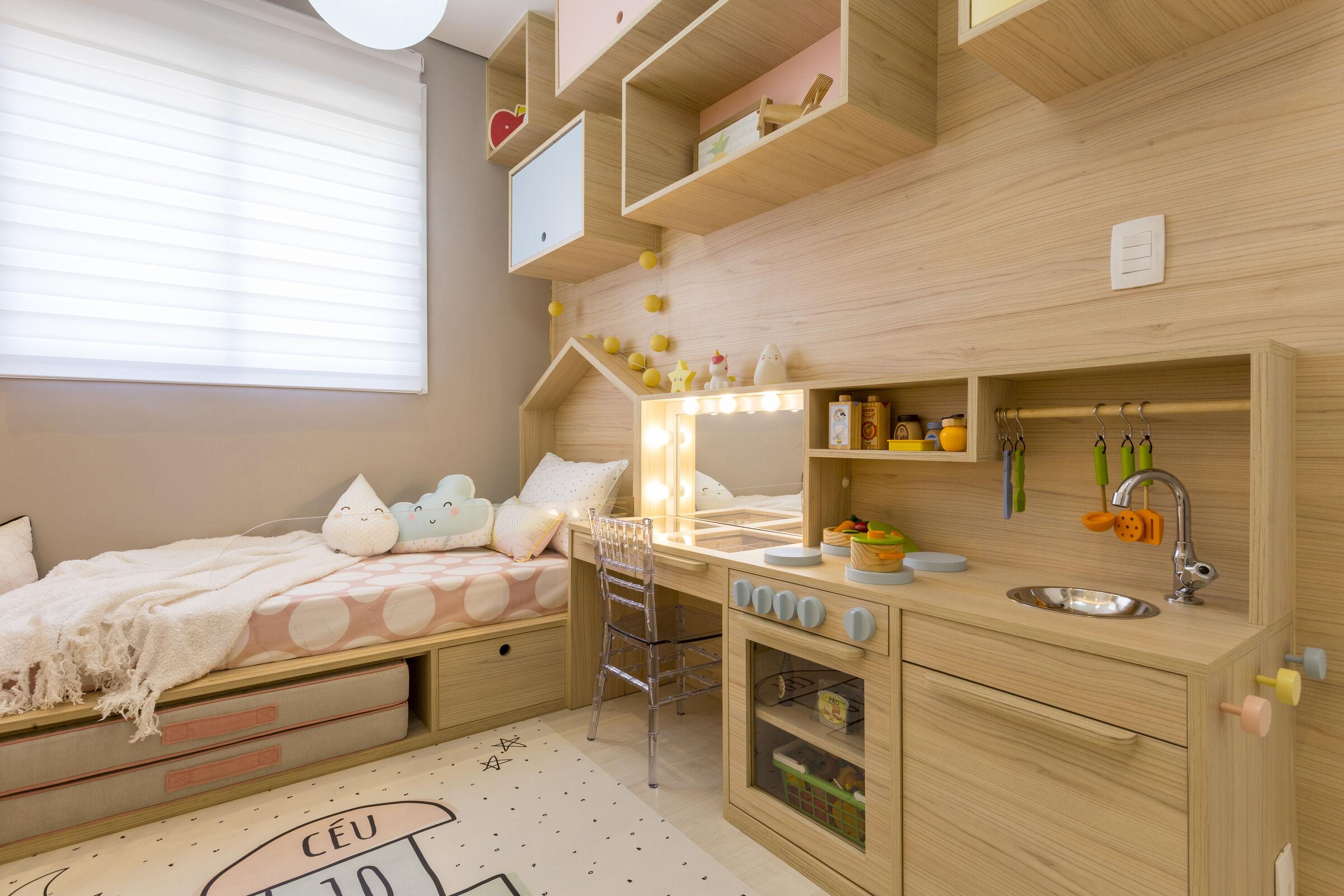 Penteadeira-e-cozinha-infantil-do-quarto-da-criança
