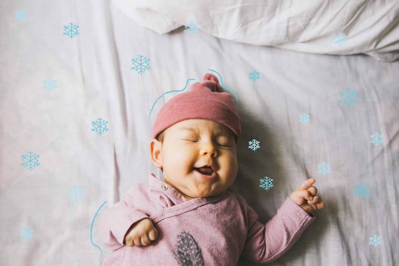 bebe-com-roupa-de-inverno