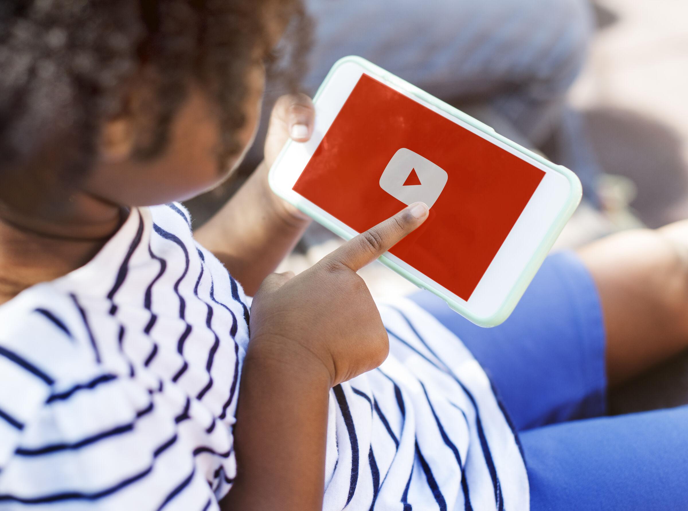 crianca-usando-youtube